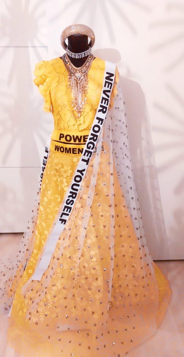 Gele lehenga gharara met branding